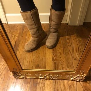 Classic tall camel UGGs